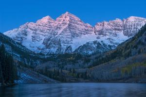 Usa, Colorado, Rocky Mountains, Aspen, Maroon Bells at Dawn by Christian Heeb