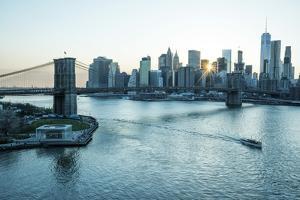USA, New York, Manhattan, Lower Manhattan, Brooklyn Bridge & East River by Christian Heeb