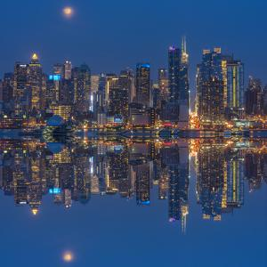 USA, New York, Manhattan, Midtown Skyline seen from New Jersey by Christian Heeb
