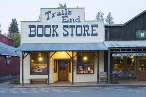 Usa, Washington, Okanogan County, Winthrop, Book Store at Dusk by Christian Heeb