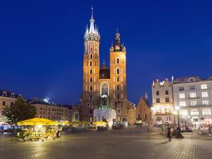 Rynek Glowny (Town Square) and St. Mary's Church by Christian Kober