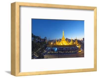Sule Paya (Sule Pagoda), Yangon (Rangoon), Myanmar (Burma), Asia