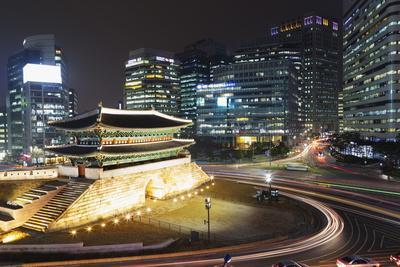 Nandaemun South Gate at Night, Seoul, South Korea, Asia