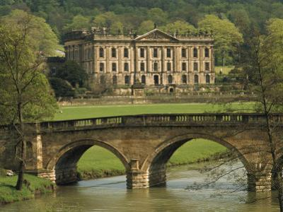 Bridge over the River and Chatsworth House, Derbyshire, England, United Kingdom, Europe