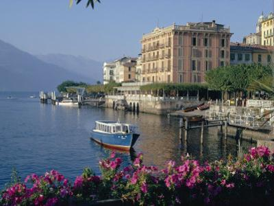 Lakeside Architecture, Bellagio, Lake Como, Lombardia, Italy