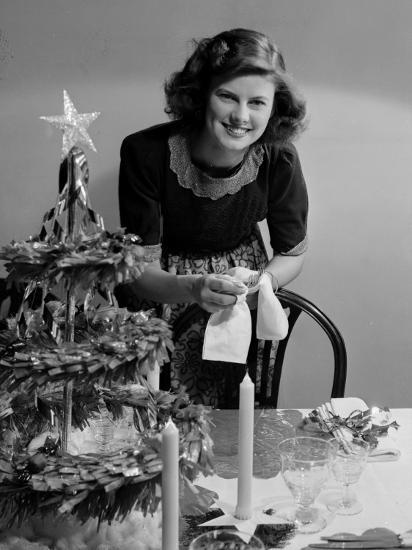 Christmas Dinner-Chaloner Woods-Photographic Print