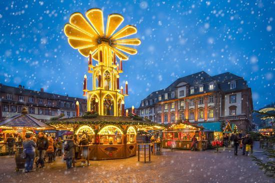 Christmas market on the marketplace in Heidelberg, Baden-Württemberg, Germany-Jan Christopher Becke-Photographic Print