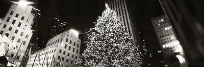 Christmas Tree Lit Up at Night, Rockefeller Center, Manhattan, New York City, New York State, USA--Photographic Print