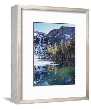 California, Sierra Nevada, Inyo Nf, Mammoth Lakes, Frozen Emerald Lake
