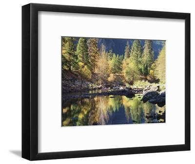 California, Sierra Nevada, Yosemite National Park, Fall Along the Merced River
