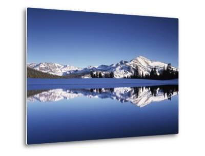 California, Sierra Nevada, Yosemite National Park, Mammoth Peak Reflect in a Tarn