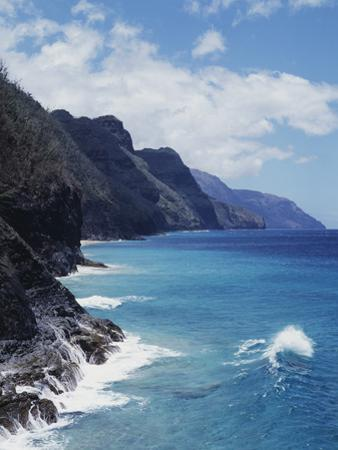 Hawaii, Kauai, Waves from the Pacific Ocean Along the Na Pali Coast by Christopher Talbot Frank
