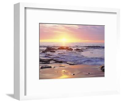 Sunset Cliffs Beach on the Pacific Ocean at Sunset, San Diego, California, USA