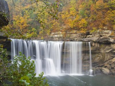 Cumberland Falls State Park near Corbin, Kentucky, USA
