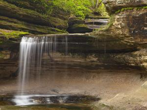 Waterfalls in Lasalle Canyon in Starved Rock State Park, Illinois, Usa by Chuck Haney