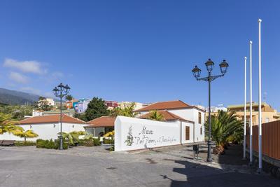 https://imgc.artprintimages.com/img/print/cigar-museum-of-brena-alta-san-pedro-la-palma-canary-islands-spain-europe_u-l-q11w8yw0.jpg?p=0