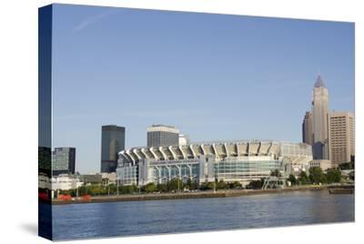 Cleveland Browns Stadium and City Skyline, Ohio, USA