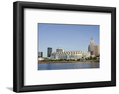 Cleveland Browns Stadium and City Skyline, Ohio, USA