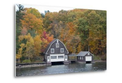 Island Home in Autumn, American Narrows, New York, USA