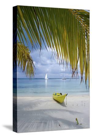 Kayak on White Sand Beach, Southwater Cay, Stann Creek, Belize