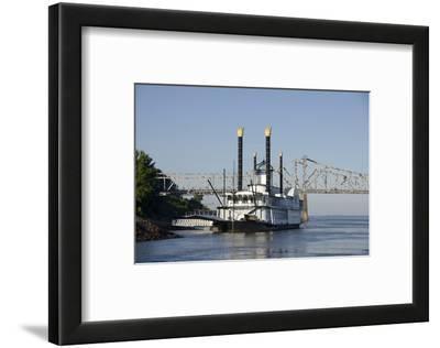 Paddlewheel Boat and Casino, Mississippi River, Port Area, Natchez, Mississippi, USA