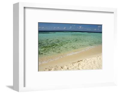 Sandy Beachfront View, Goff Caye, Belize