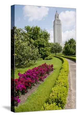 USA, Louisiana, Baton Rouge. Louisiana State Capitol building.