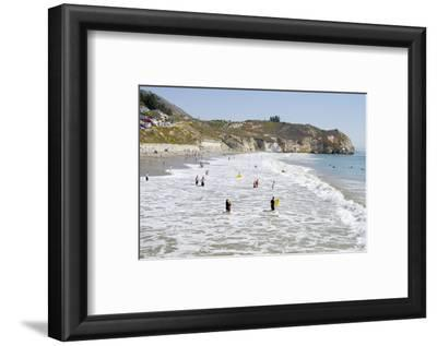 Visitors Enjoying the Ocean, Avila Beach, California, USA