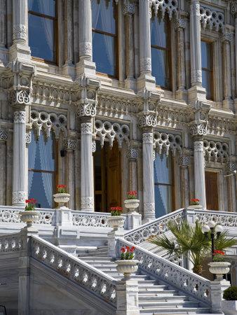 https://imgc.artprintimages.com/img/print/ciragan-palace-standing-on-shores-of-bosphorus-in-istanbul-is-now-a-5-star-kempinski-hotel_u-l-p8yyg30.jpg?p=0