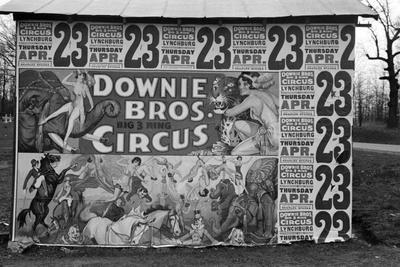 https://imgc.artprintimages.com/img/print/circus-poster-covering-a-building-near-lynchburg-south-carolina-1936_u-l-q1byc5f0.jpg?p=0