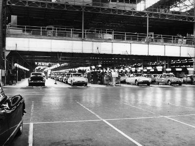 Citroen Production Line, 1960--Photographic Print