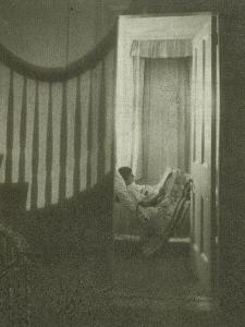 Jeune fille couchée dans sa chambre by Clarence White