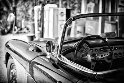 https://imgc.artprintimages.com/img/print/classic-car-chevrolet_u-l-pz4onm0.jpg?p=0