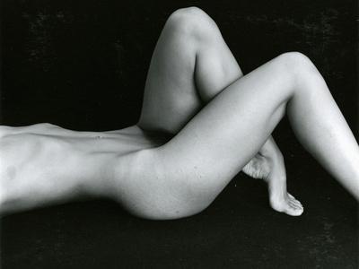 https://imgc.artprintimages.com/img/print/classic-nude-c-1975_u-l-q1g6uhl0.jpg?p=0