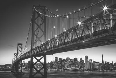 https://imgc.artprintimages.com/img/print/classic-san-francisco-in-black-and-white-bay-bridge-at-night_u-l-q10dho30.jpg?p=0
