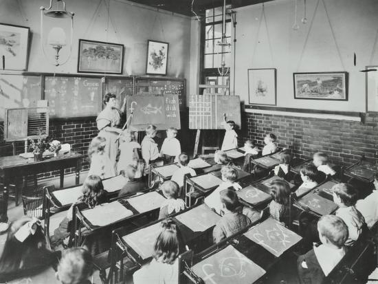 Classroom Scene, Southfields Infants School, Wandsworth, London, 1907--Photographic Print
