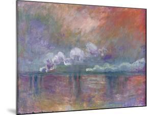 Charing Cross Bridge, Smoke in the Fog, 1902 by Claude Monet