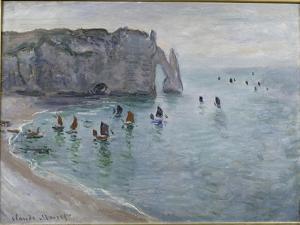 Etretat, la porte d'Aval : bateau de pêche sortant du port by Claude Monet