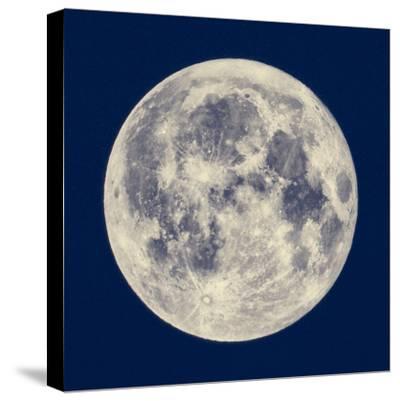 Full Moon by Claudio Divizia
