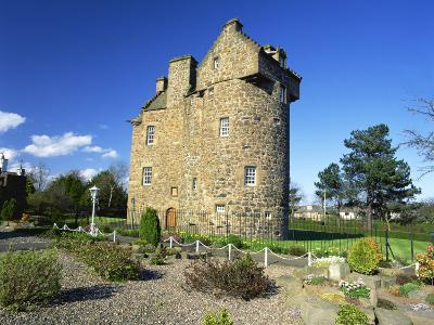 Claypotts Castle, Broughty Ferry, Near Dundee, Highlands, Scotland, United Kingdom, Europe-Kathy Collins-Photographic Print