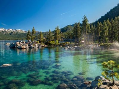 https://imgc.artprintimages.com/img/print/clear-emerald-water-with-rocks-pine-trees-and-mountains-at-sand-harbor-sp-lake-tahoe-nevada_u-l-q1gwvux0.jpg?p=0