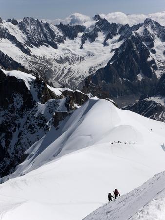 https://imgc.artprintimages.com/img/print/climbers-on-mont-blanc-aiguille-du-midi-mont-blanc-massif-haute-savoie-french-alps-france-eur_u-l-pftg8i0.jpg?p=0