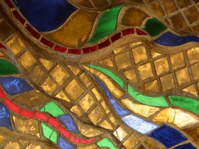 https://imgc.artprintimages.com/img/print/close-up-of-a-stained-glass-artwork-thailand_u-l-q10x8va0.jpg?p=0