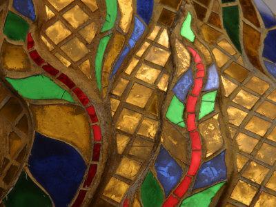 https://imgc.artprintimages.com/img/print/close-up-of-a-stained-glass-artwork-thailand_u-l-q10x8vp0.jpg?p=0