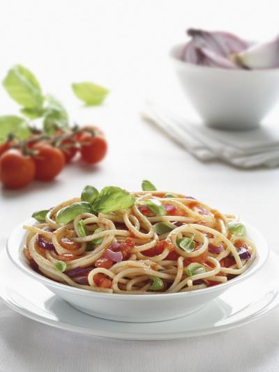 Close-Up of Spaghetti with Fresh Tomatoes--Photographic Print