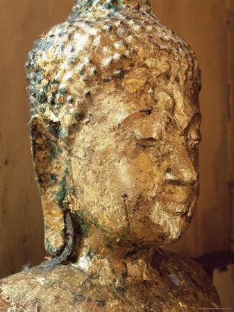 https://imgc.artprintimages.com/img/print/close-up-of-the-head-of-a-statue-of-the-buddha-covered-in-gold-leaf-thailand_u-l-p2kjdu0.jpg?p=0