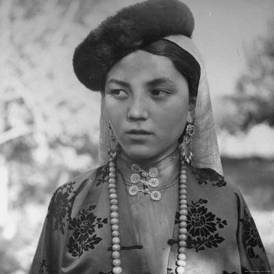 Close Up of Uighur Girl from Kashgar-William Vandivert-Photographic Print