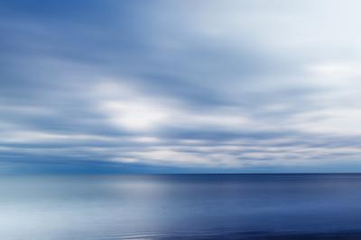 https://imgc.artprintimages.com/img/print/clouds-over-the-atlantic-ocean-wallis-sands-sp-in-rye-new-hampshire_u-l-pypmu60.jpg?p=0