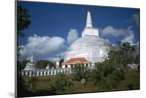 Ruwanvaliseya Stupa in Sri Lanka by CM Dixon