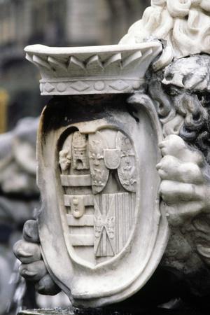 https://imgc.artprintimages.com/img/print/coat-of-arms-detail-from-triton-fountain-naples-campania-italy_u-l-powhan0.jpg?p=0
